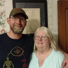 Pat & Randy bir süper ev sahibi.