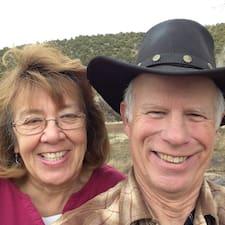 โพรไฟล์ผู้ใช้ Jim & Mari Lu