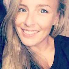 Karlee felhasználói profilja