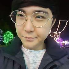 Nutzerprofil von Lee Soon