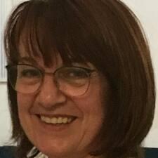 Profil Pengguna Claudine