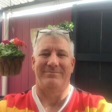Profil Pengguna Dennis