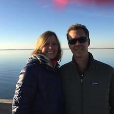 Pamela & Eric is a superhost.