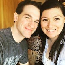 โพรไฟล์ผู้ใช้ Michael & Sophia