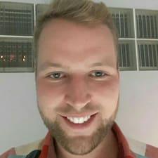 Профіль користувача Tom