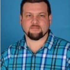 Elias felhasználói profilja