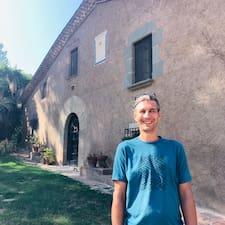 További információk Luca házigazdával kapcsolatban