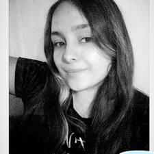 Dayana felhasználói profilja