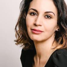 Leaha Maria felhasználói profilja