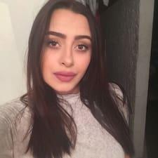 Jennifer Paola felhasználói profilja