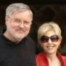 โพรไฟล์ผู้ใช้ Paul And Peggy