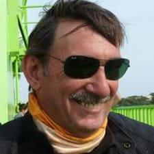 João to Superhost.