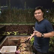 Profil Pengguna Trung
