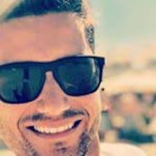 José Thiago felhasználói profilja