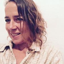 Paloma &Quot;María Del Pilar&Quot; is een SuperHost.