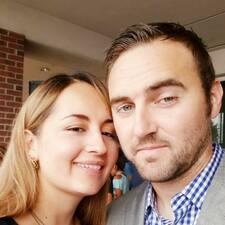 โพรไฟล์ผู้ใช้ Karina & Stephen