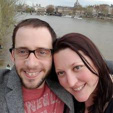 โพรไฟล์ผู้ใช้ Michael And Melissa