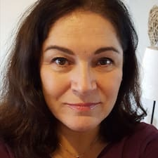 Violeta E. User Profile