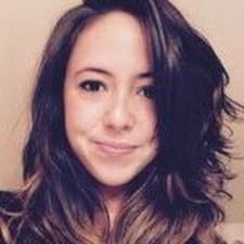 Justine felhasználói profilja