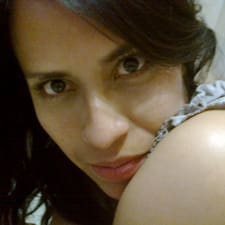 Claudia님의 사용자 프로필