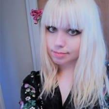 Laurianne felhasználói profilja