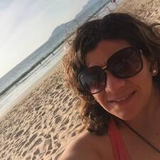 โพรไฟล์ผู้ใช้ Ana Claudia