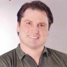 Henner User Profile