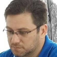 Emerson felhasználói profilja