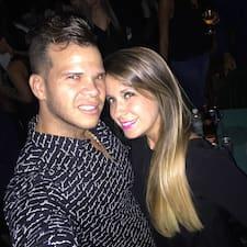 Yojan & Lia Superhost házigazda.