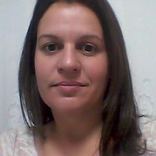โพรไฟล์ผู้ใช้ Karina Ferreira De