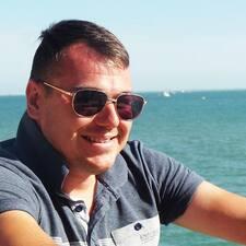 Henkilön Simon käyttäjäprofiili