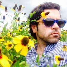 Michael — суперхозяин.