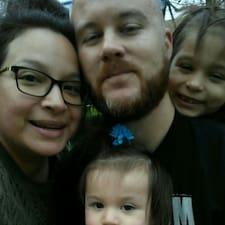Isaac, Claudia, Ava, & Noraa to Superhost.