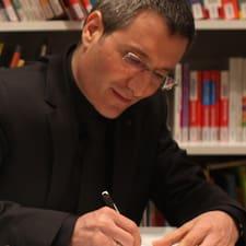 François-Xavier est un Superhost.