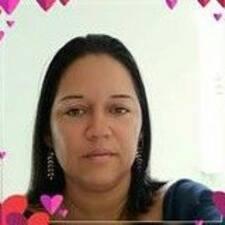Jacqueline Gonçalves