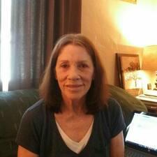 โพรไฟล์ผู้ใช้ Joann B.