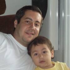 โพรไฟล์ผู้ใช้ Hugo Ignacio