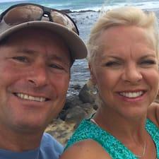 Mike & Julia ברשימת המארחים המצטיינים