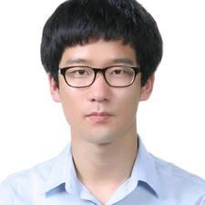 YunHyeong felhasználói profilja