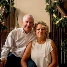 Nicole & Brian Superhost házigazda.