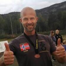 Helge è un Superhost.