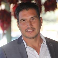 Roberto-James0