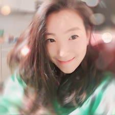 โพรไฟล์ผู้ใช้ Yoohee