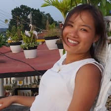 Thu Hoai User Profile