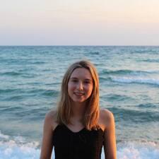 Profil Pengguna Emily