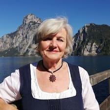 Elfriede Superhost házigazda.