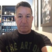 Leonard felhasználói profilja