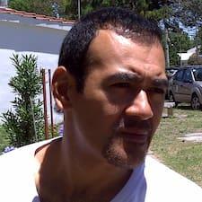 โพรไฟล์ผู้ใช้ Hector Fabian