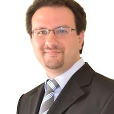 Christosさんのプロフィール