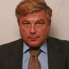 โพรไฟล์ผู้ใช้ Enzo Ulrich Minacapilli Dr.